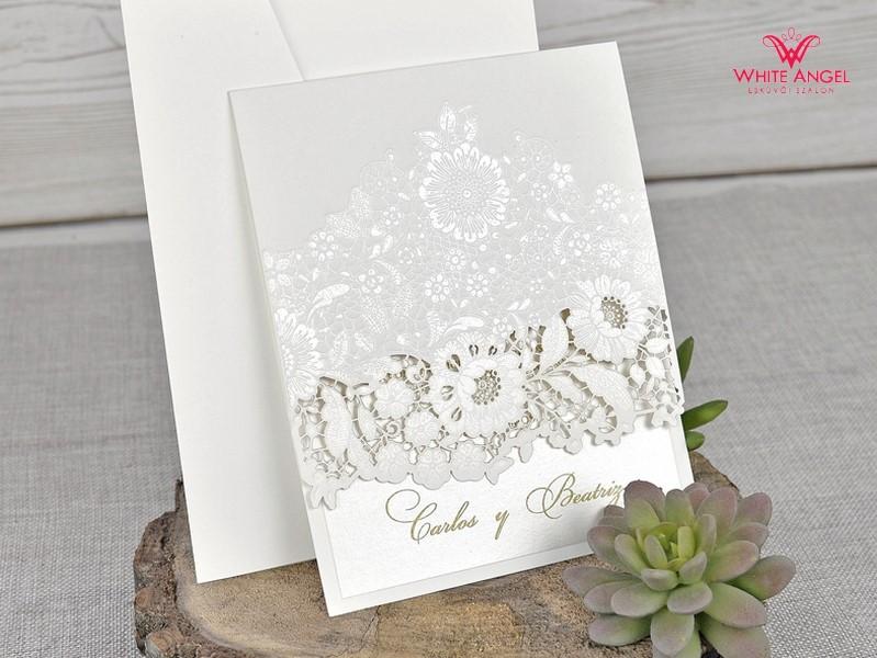014a1c81f1 Kivágott virágos esküvői meghívó - White Angel Esküvői Szalon