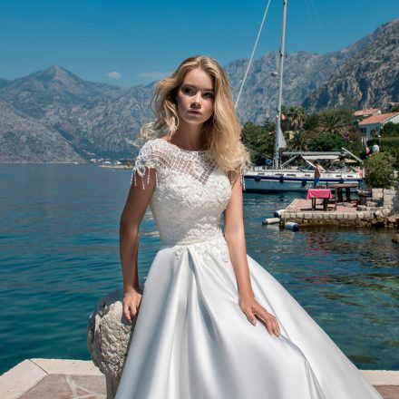 EM menyasszonyi ruha 18-01