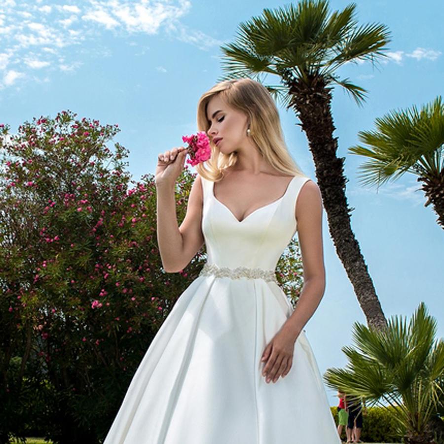 EM menyasszonyi ruha 18-02