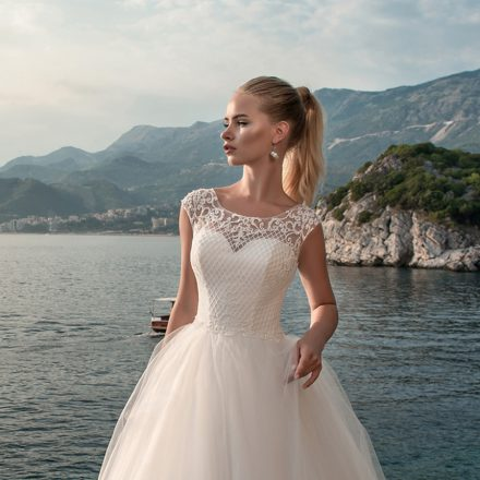 EM menyasszonyi ruha 18-13