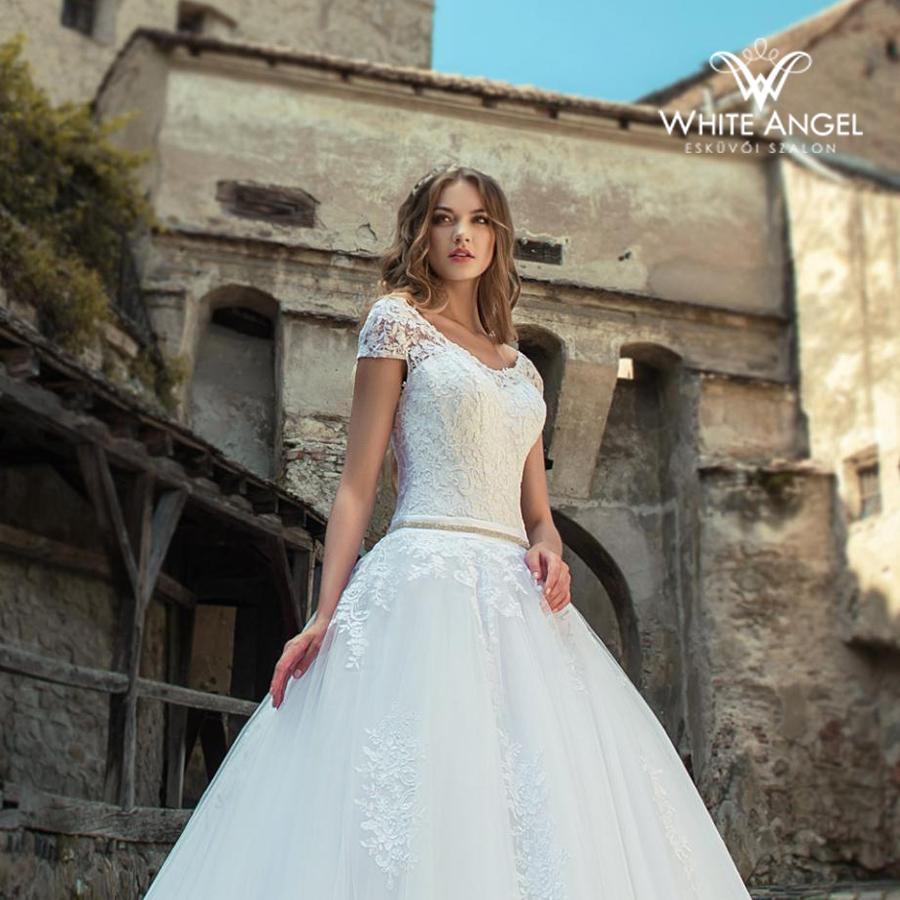 Menyasszonyi ruha JD-18707