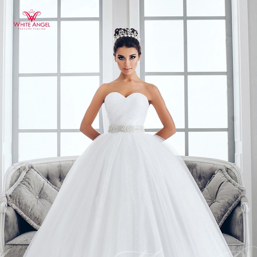 Menyasszonyi ruha Mary White 1021