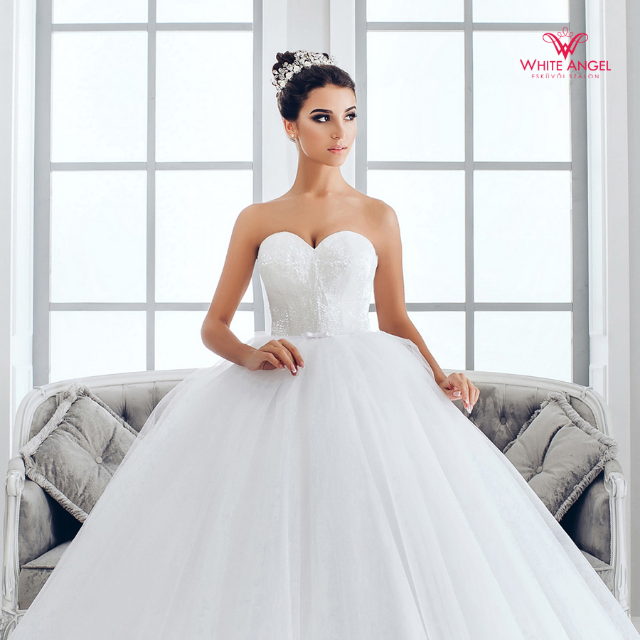 Menyasszonyi ruha Mary White 1024