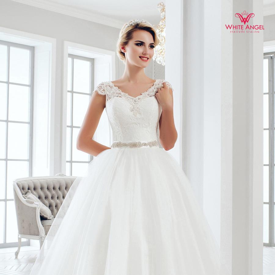 Menyasszonyi ruha Mary White 1027