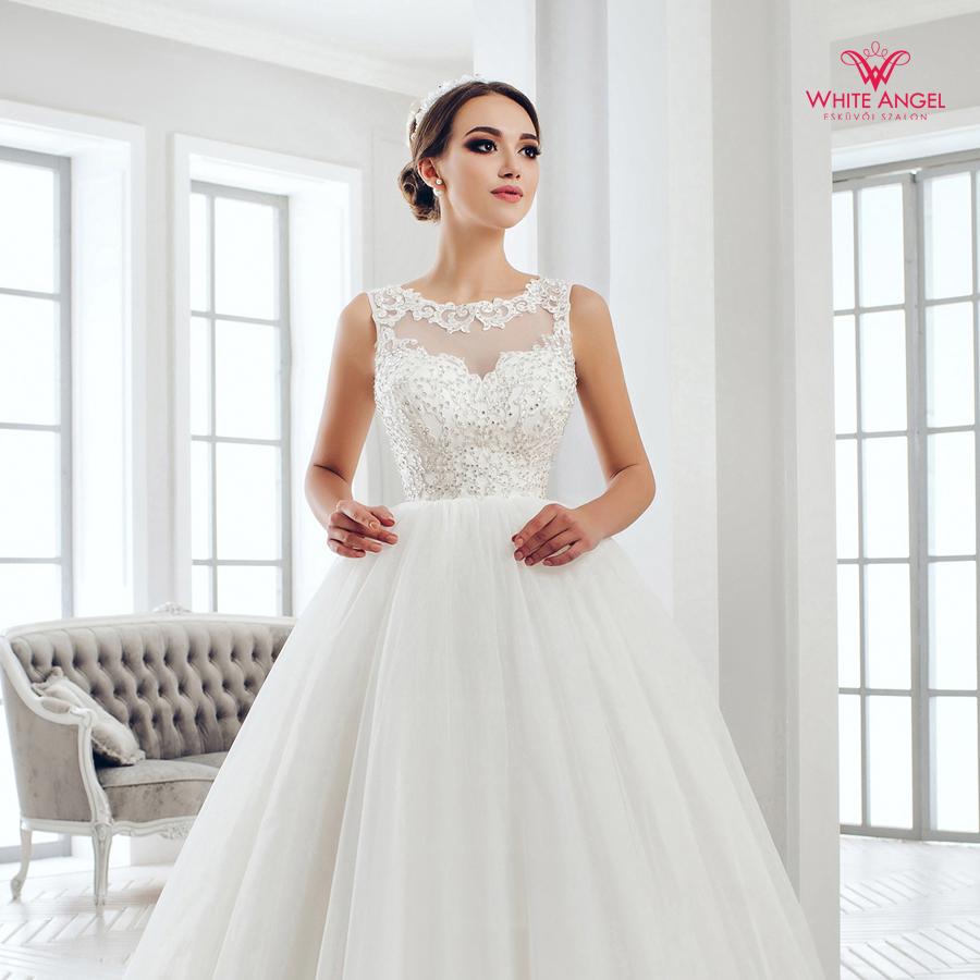 Menyasszonyi ruha Mary White 1028