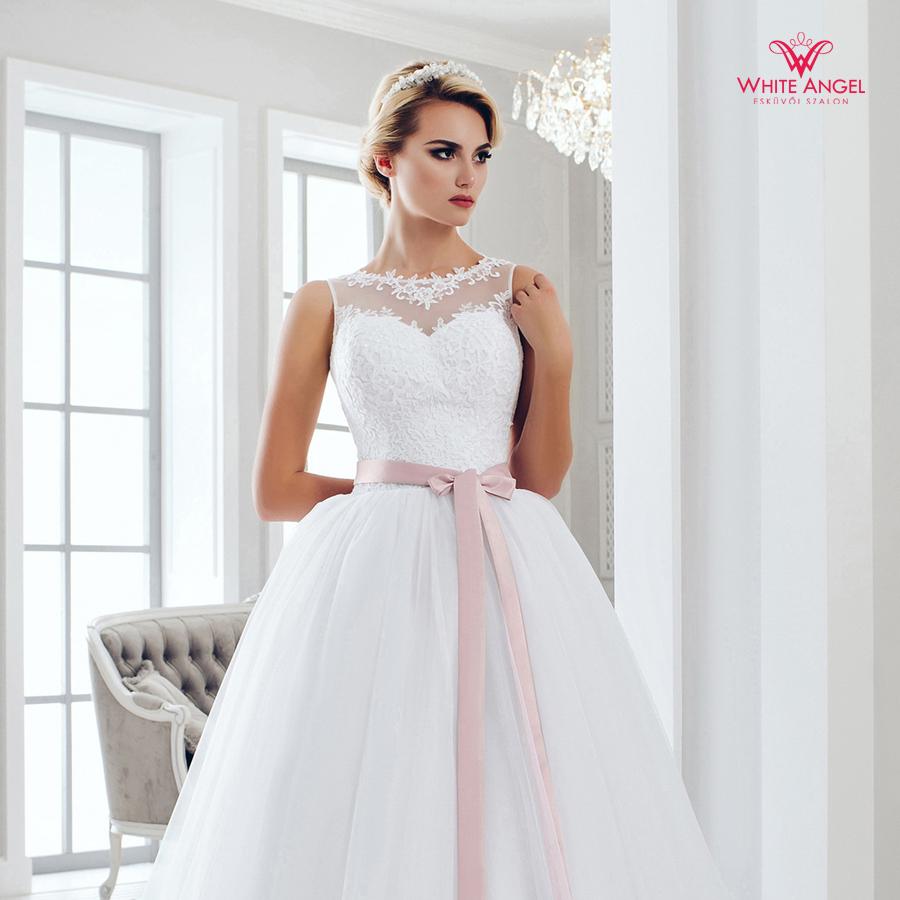 Menyasszonyi ruha Mary White 1030