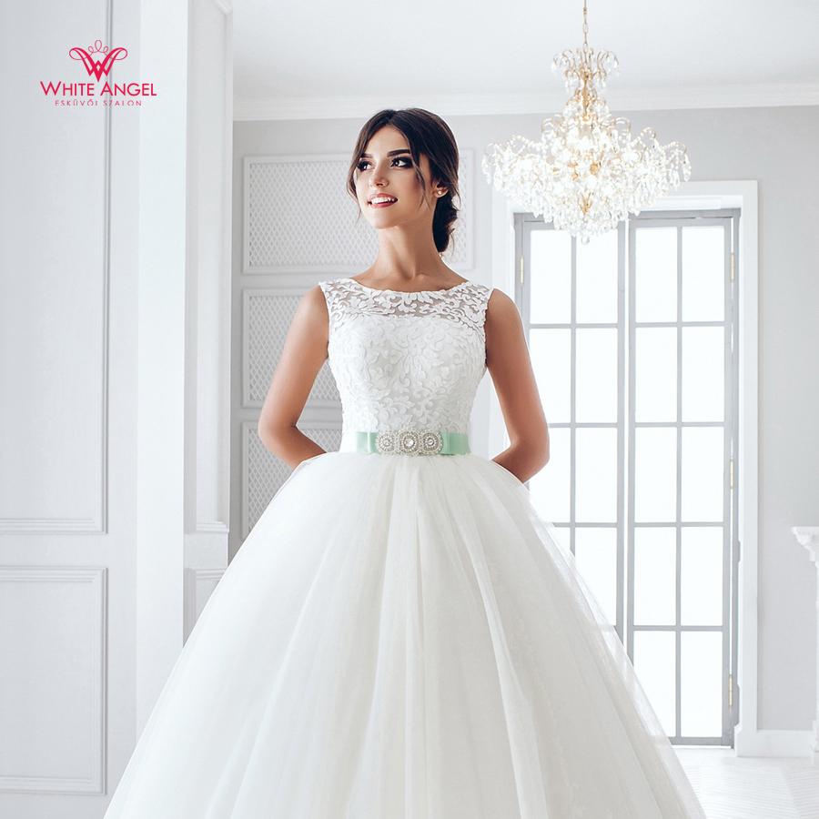 Menyasszonyi ruha Mary White 882