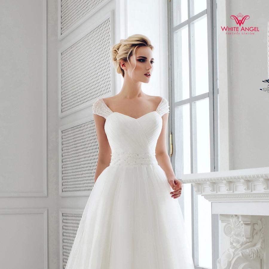 Menyasszonyi ruha Mary White 912