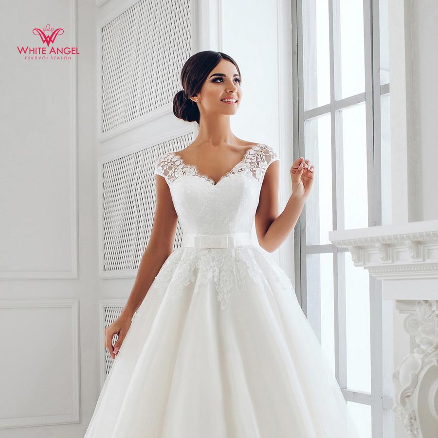 Menyasszonyi ruha Mary White 916