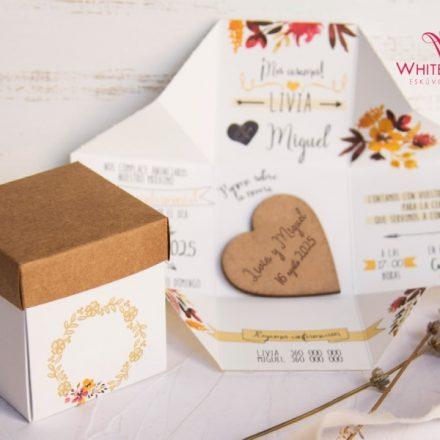 Fa szívecskés esküvői meghívó