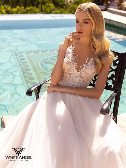 Flavie menyasszonyi ruha 141
