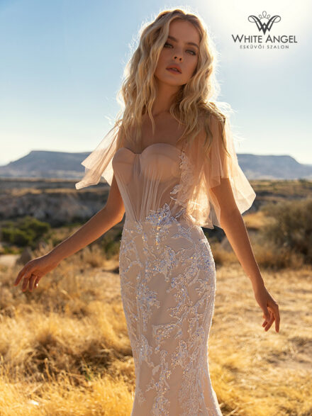 Nicolette menyasszonyi ruha 135